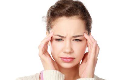 Il mal di testa in gravidanza: sintomi e rimedi